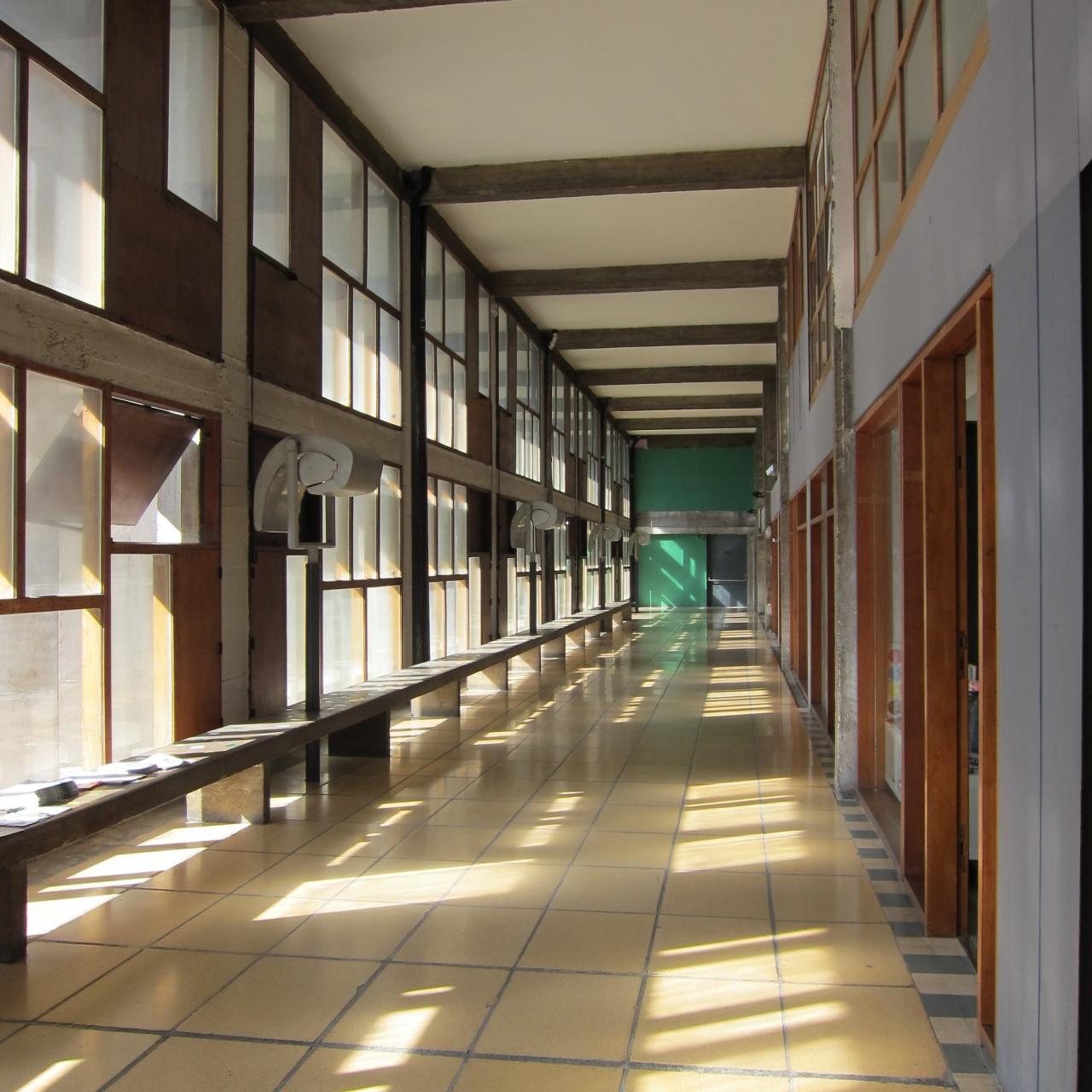 das architektonische werk von le corbusier ein herausragender beitrag zur moderne deutsche. Black Bedroom Furniture Sets. Home Design Ideas