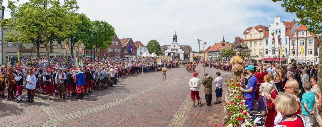 """Bürgersöhne-Aufzug zu Lingen """"Die Kivelinge"""" von 1372"""