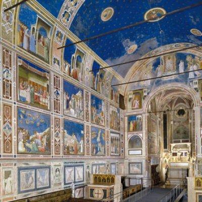 Fresken in einer Kapelle in Padua